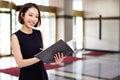 Yong pretty Asian business woman Royalty Free Stock Photo