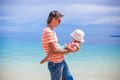 Young father and his adorable little daughter have fun at beach Royalty Free Stock Photo