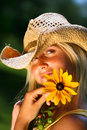 Young woman holding  daisy Royalty Free Stock Photos