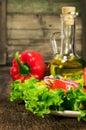 Zdrowa jedzenia vegetable sałatka i słonecznikowy olej Zdjęcie Stock