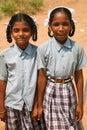 Zusters die terug van school in india lopen Royalty-vrije Stock Fotografie