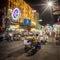 Stock Image :  Καταστήματα προμηθευτών και τουριστών τροφίμων οδών στο δρόμο Khao SAN