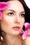 Stock Image : Женщина красоты с живым цветком