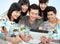 Stock Image : Содружественная группа в составе студенты с ПК таблетки