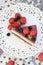 Stock Image : Торт Dukan с ягодами шоколада и студня
