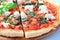 Stock Image :  薄饼用干酪、烟肉和菠菜