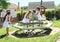Stock Image :  Девушки в белых платьях на женить-идти-круглой