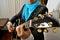 Stock Image : De gitarist van de rots