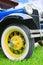 Stock Image : Detalle americano clásico antiguo colorido del primer del coche