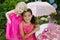 Stock Image : Dzieci uprawiają ogródek bawić się