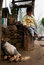 Stock Image : Een kleine de jongen en de kippenfamilie van Lepcha
