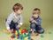 Stock Image :  En jonge geitjes, Kinderen die samen delen spelen