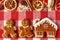 Stock Image :  Het paar en het huiskoekjes van de Kerstmispeperkoek