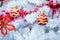 Stock Image : Kerstmis rode ballen en decoratie
