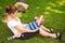 Stock Image : Moeder met kind in het park