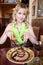 Stock Image :  Mujer con la ensalada
