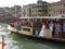Stock Image :  Overvolle de Passagiersboot van Venetië