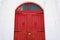 Stock Image :  Porta de madeira vermelha