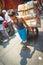 Stock Image :  Verkopers vervoerende dozen in Manilla