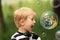 Stock Image : Zdziwiona blond chłopiec