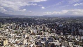 ¡ N/Argentina - 01 för San Miguel de Tucumà ¡ n/Tucumà 01 19: Flyg- sikt av staden av San Miguel de Tucumà ¡ n, Argentina royaltyfri bild