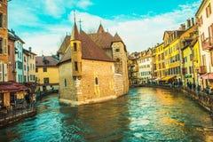 ¡Centro de Annecy en enero! imágenes de archivo libres de regalías