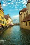 ¡Centro de Annecy en enero! fotografía de archivo libre de regalías