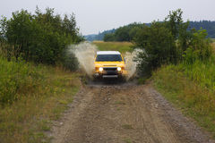 ¡chapoteo 4WD! foto de archivo