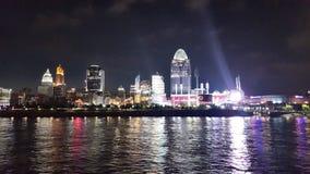 ¡Cinncinnati, orilla del río de Ohio en la noche! fotografía de archivo