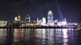 ¡Cinncinnati, orilla del río de Ohio en la noche! fotos de archivo