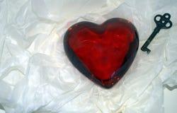 ¡Día de tarjetas del día de San Valentín feliz! Llave a un corazón Fotos de archivo