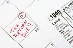 ¡Declaración de impuestos debida! Foto de archivo