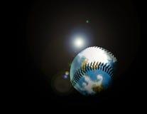 ¡Este béisbol golpeado incluso vuela el espacio exterior!!! Fotografía de archivo
