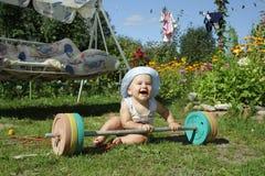 ¡Este peso es risa para mí! Foto de archivo