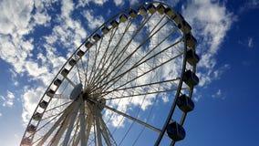 ¡Ferris Wheel en el cielo! fotografía de archivo