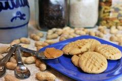 ¡Galletas de mantequilla de cacahuete YUM! Fotografía de archivo libre de regalías