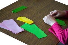 ¡Haciendo la papiroflexia - lotos rosados! imagen de archivo libre de regalías