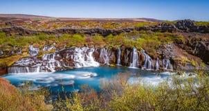 ¡Las cascadas de la tierra del hielo y del fuego!! Foto de archivo