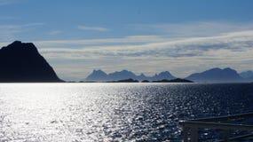¡Montaña de Lofoten en un summerday! fotografía de archivo libre de regalías