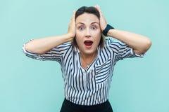¡Ninguna manera! Mujer de negocios sorprendida con la boca abierta y los ojos grandes Foto de archivo libre de regalías