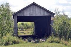 ¡Puente cubierto de madera viejo! Fotos de archivo
