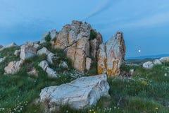 ¡Puesta del sol en las costas de Galicia, España! foto de archivo libre de regalías