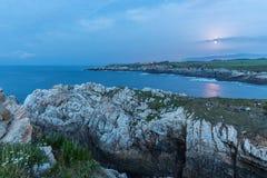 ¡Puesta del sol en las costas de Galicia, España! fotos de archivo libres de regalías