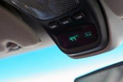 ¡Termómetro del automóvil - caliente! Imagen de archivo libre de regalías