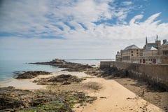«Petit Był «wyspy fortem przy St Malo, Brittany zdjęcia royalty free