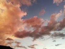 «Różowy niebieskiego nieba obłąkanie « obraz royalty free