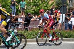 18 101 °转帐服务d `意大利的Th阶段05 2 201 201,在15前后骑自行车者将横渡广场米谢勒费雷洛广场萨沃纳 免版税图库摄影