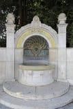 ¼ de ZÃ riche : Fontaine de mosaïque près du lac des riches de ¼ de ZÃ image libre de droits