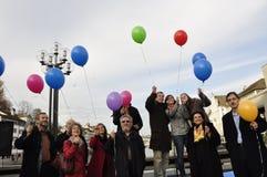 ¼ de ZÃ rico: protestadores contra o initiativ do anti-minarete do partido do SVP imagem de stock