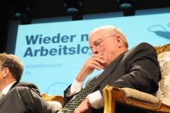 ¼ di ZÃ ricco: Dott. Christoph Blocher, ex consigliere tecnico svizzero ad un baccello immagini stock